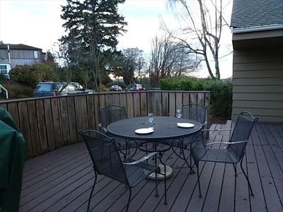 Deck with a gas grill and pleasant View