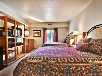 Park Station Hotel Room Condo by Main St & Town Lift with heated pool & hot tubs