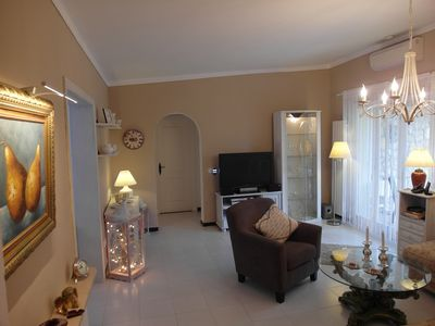 House in quiet area, large garden and terrace 1000 m from the beach