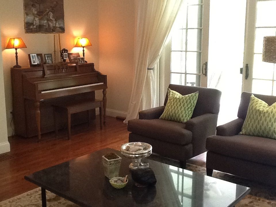 Sagharbor close to hampton classic house vrbo for Classic house piano