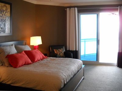 Master bedroom with direct access to oceanview veranda