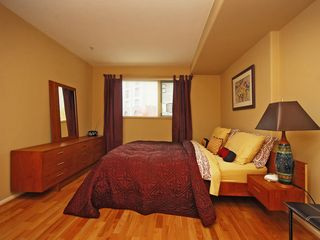 Victoria condo photo - Queen bedroom with walk through closet and full ensuite bathroom