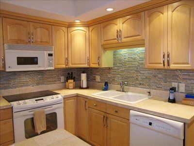 Fully Remodeled Kitchen with Stylish Backsplash unit G103