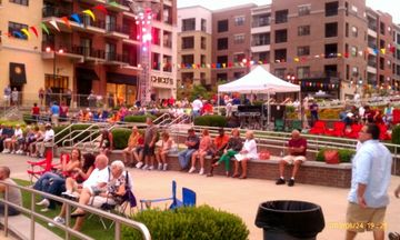 Blanson Landings sponcers free concerts by the fountain. Check for scheduling.
