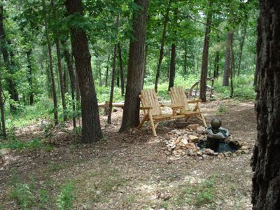 Ridgedale cabin rental - New Log Bench-table beside New Bird-fountain-pool.