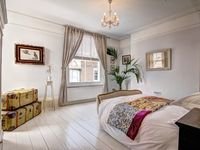 Compass House - Boutique Holiday Rental in Hastings