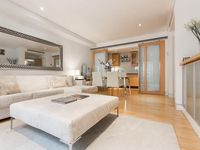 Peaceful And Perfectly Located Apartment In Mayfair