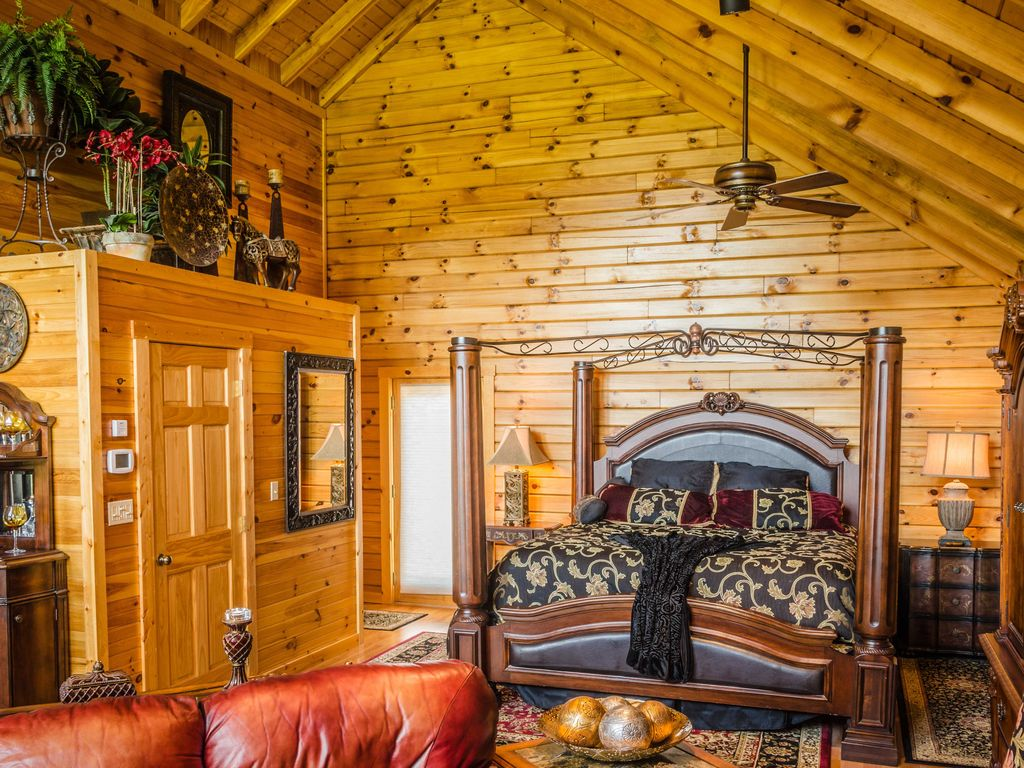Luxury Log Cabin For Two W Hot Tub Fireplace