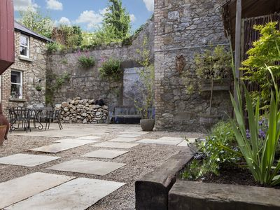 Stunning Coach House 3 minutes walk from Dalkey Village, South Dublin
