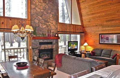 Great Room / 18' Vaulted Ceiling / Beautiful Rock Fireplace / Huge View Windows