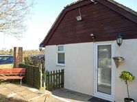 BOULDER COTTAGE, pet friendly in Bexhill-On-Sea, Ref 5325
