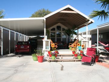 Needles cottage rental - large carport to park boat and trailer