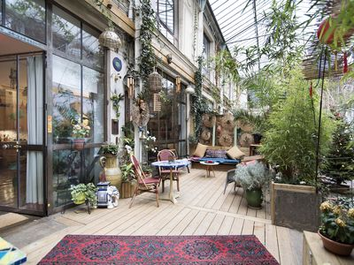 Loft in Paris with private terrace, calm, charm, children welcome.