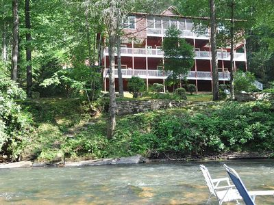 5 Star Luxury in the Wine & Wedding Country of Dahlonega!