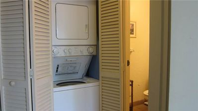 One of the few units with a washer/dryer!