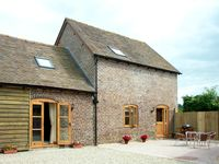 THE STABLES, pet friendly, with a garden in Westhope, Ref 1648