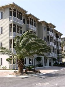 Front of Seagrove Highlands