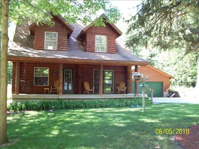 Honor cabin rental - Beautiful Log Cabin w/ cathedral ceilings and loft.