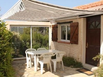 House at the foot of the hill facing the golf Frigate 5 minutes from the sea