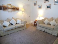 Close to beach, town and estuary  Off road parking  Free Wi-Fi  Sleeps 2