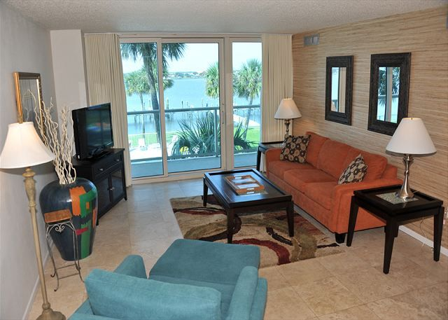 Water Front Condo with Great Views ~ Private Balcony and Close to the Beach!