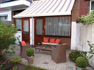 Cozy apart with sunny garden on walking distance from beach/sea