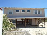 Remodeled Cottage!!  1 Block to the Beach with a Fenced Backyard!