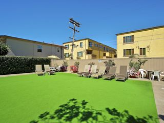 Pacific Beach condo photo - Community Area with BBQ