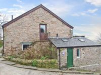 THE HAYLOFT, pet friendly, luxury holiday cottage in Combs, Ref 17509