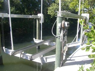 10,000lb boat lift - Siesta Key house vacation rental photo