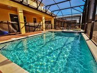 Limited Time! Astounding 8BR ChampionsGate House w/Private Pool, Heated Spa, Game Room & Wifi - Sleeps 22, Minutes from All of Orlando's Famous Theme Parks!