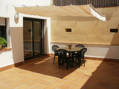 APARTMENT WITH LARGE TERRACE, 2 MINUTES FROM THE BEACH