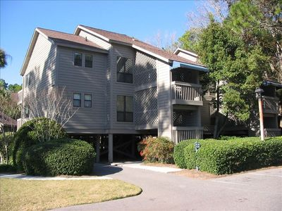 85-86 Moorings-2 bedroom - 3 bath 2nd Floor Corner Unit-overlooking pool