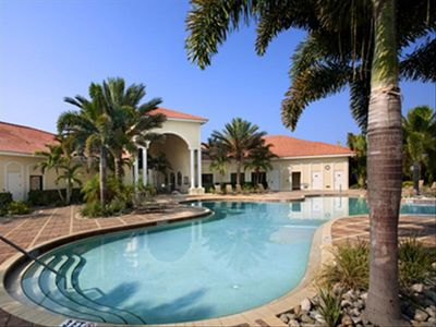 Gorgeous Community Pool and Clubhouse!