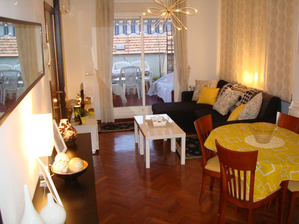 Plaza Castilla w/ Terrace close to city centre and Metro Valdeacederas