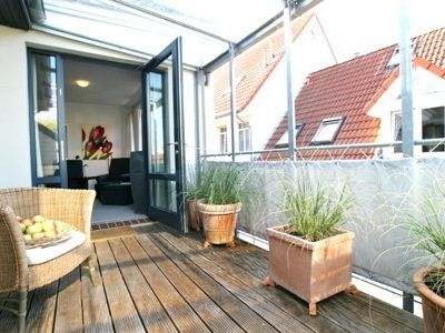 The apartment offers guests a central location of Jever and a nice ambience.