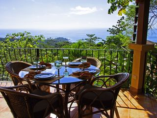 Dominical villa photo - Lunch anyone?