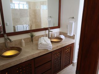 Puerto Escondido condo photo - Double vanity sink in master bathroom