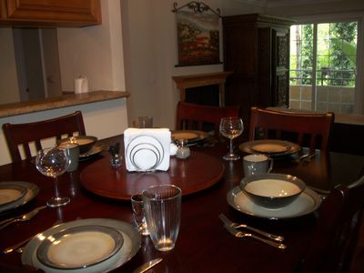 Complete dining set for 8