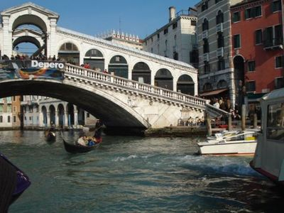 Rialto Bridge, 5 minute walk