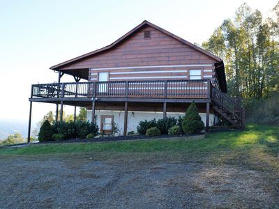 Cabin in Fancy Gap,VA With Extraordinary Views Of 7 Counties And 2 States!