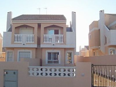 3 Bed Idyllic House 400m from sea