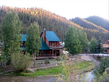 Red River cabin rental - Lucky River Retreat-Red River Premier Lodging choice for families & large groups