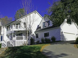 Auburn house photo - The Lakeview House overlooks the Sierra Foothills and Lake of the Pines.