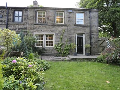 Charming 2 Bed Cottage, Enclosed Garden & Courtyard Nr Holmfirth, Holme Valley