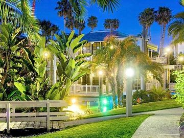 Oceanside condo rental - Tropical Night