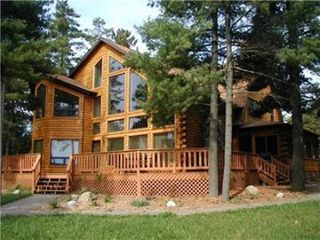 Wisconsin Dells house photo - Rustic full log home on Petenwell Lake