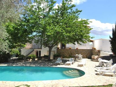 Huge house with large garden and swimming pool, on the outskirts of Palma