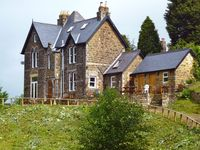 Large detached Victorian stone property with stunning views sleeps 6 to 10