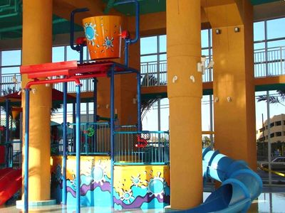 "Gulf Resort Beach condo rental - The Splash ""Water Bucket"", supersized"
